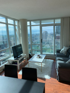 Room for Rent in Furnished Condo in Downtown Toronto - July 15th