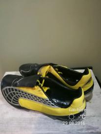 puma football boots size UK 8 mens