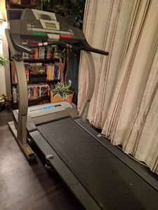 Hardly used good condition treadmill