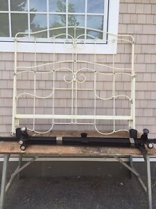 Antique Style  Iron Bed For Sale