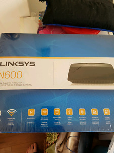 New E2500 Linksys Router 30$