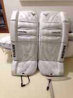 """22""""+1 goalie pad and chest protector"""