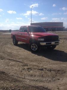 2001 Dodge Pickup Truck