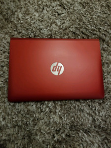 HP Pavilion X2 2 in 1 touch 4 GB RAM 1.33 GHz Atom super cond.