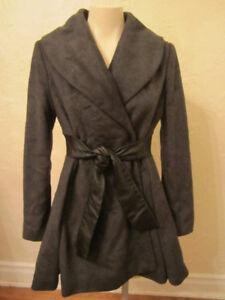 Très beau manteau en laine et cuir de marque Guess