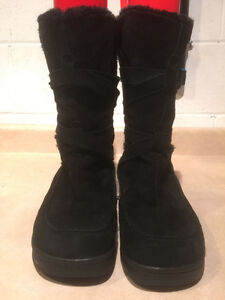 Women's Black Leather Winter Boots Size 9 London Ontario image 3