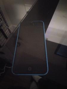 30$! 16GB iPhone 5c Parts or Repair Bell/Telus