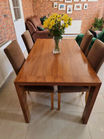 Dwell extendable dinning table in walnut and 6 chairs with oak legs