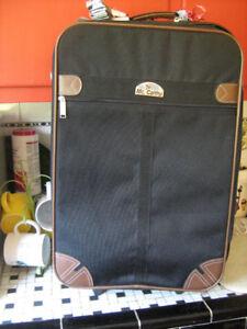 23x15x9;MC Carthy Luggage--Vintage--$20
