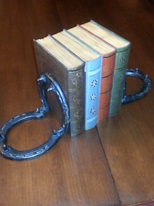 Steel Horse Shoe Bookends