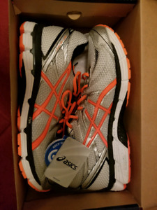 Brand New -  In Box Men's Gel Asics Size 13