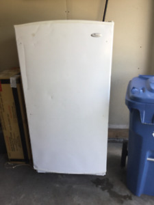 Stand up whirlpool freezer