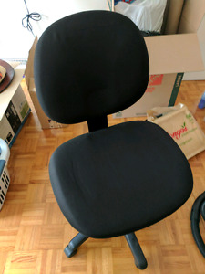 Extremely comfortable office swivel chair. Must go ASAP