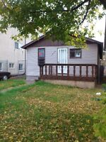 Two Bedroom plus a den House rent for $1000