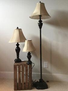 Ensemble de lampadaire et lampes de table