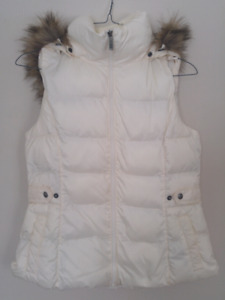 Women's Denver Hayes Vest with Faux Fur Removable Hood [Size L]