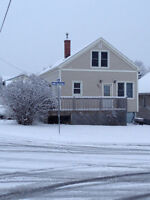 Renovated 6 bedrooms 3 bathrooms house in North Bay