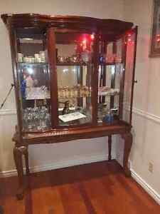 Wood Buffet, excellent condition Gatineau Ottawa / Gatineau Area image 5