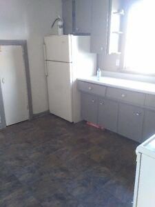 Clean 2 Bedroom Apartment in St.Catharines