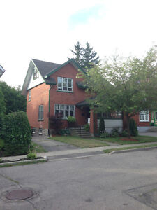 2 Rooms Available in Spacious Licensed House in Uptown Waterloo: