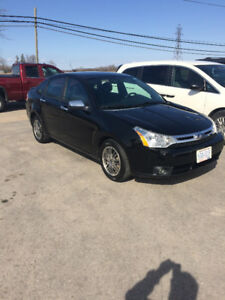 REDUCED 2011 Ford Focus SE Sedan