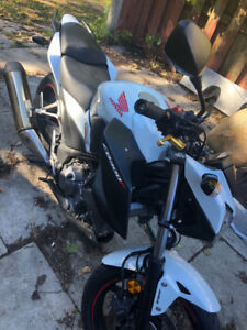 2015 Honda cb300f - New Tires and well Maintained