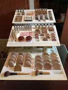 Jane Iredale professional make up and stand