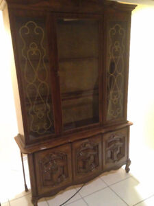Display Cabinet/Ar moire