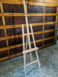 Wooden easel with tray