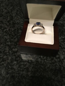 Brand new 18k white gold diamond ring