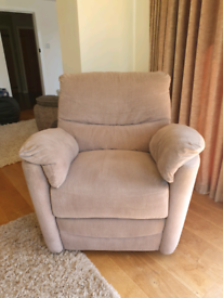 DELIVERY INCLUDED LIKE NEW moleskin electric recliner armchair