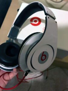 Beats By Dre Over The Ear Headphones