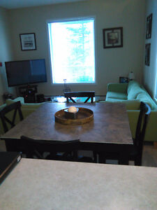 ROOM FOR RENT IN BANFF IN CLEAN QUIET HOME AVAILIBLE IMEDIATLEY.