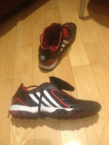 Adidas Traxion indoor soccer shoes 10 US
