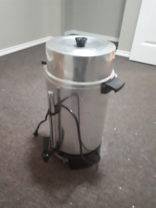West Bend 100-Cup Commercial Coffee Urn