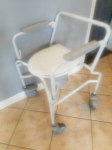 Invacare Commode with wheels