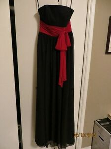 Black Bourdeau Dress Size 2 - Great for Grad or a Wedding