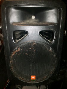 JBL EON 1500 2way speakers / Stage monitors