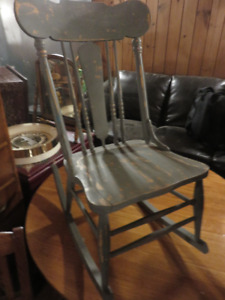 1 GREY PAINTED WOODEN ROCKING CHAIR GOOD CONDITION \