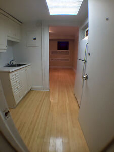 $550 Guy-concordia beautiful room available Now!!