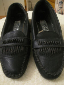 "PAIR LADIES BLACK SUPER-SOFT ""SENTIMENTS"" LOAFERS"