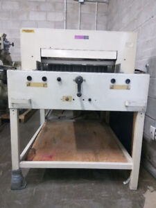 Paper Cutter in Good Condition