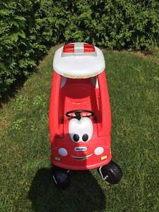 voiture jouet extérieur enfant
