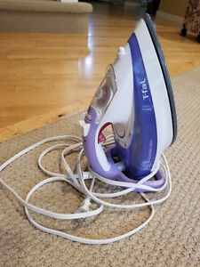 Almost brand new iron for sale!Moving sale! Works great!Nothing