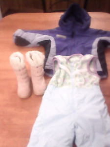 Columbia snowsuit 2peice plus boots!! Size 2-T girls $5