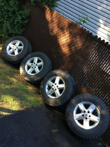 LT225/75R16 OFF ROAD GOOD YEAR WRANGLER NEUF,