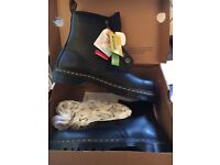 Dr martin boots size 9