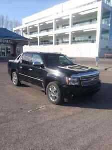 2010 Chevy avalanche ltz loaded