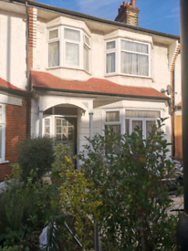 Large bedroom in Palmers Green