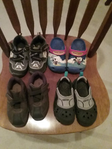 4 pairs Boys shoes size 8/9